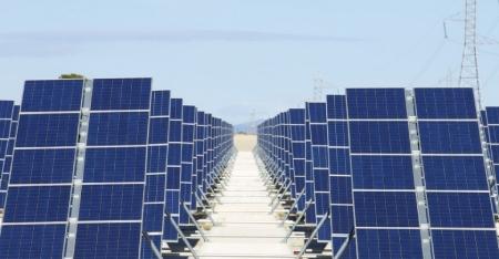 Energía renovable se abarata frente a combustibles fósiles, estudio